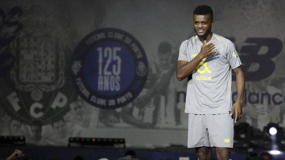 O defesa central nigeriano Chidozie é oficialmente jogador do Çaykur Rizespor