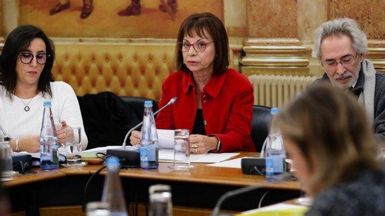 Maria Manuel Leitão Marques (ao centro), ministra da Presidência e da Modernização Administrativa