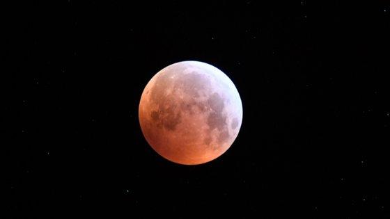 Um corpo com entre 2 e 10 kg colidiu com a Lua durante a totalidade do eclipse de segunda-feira.