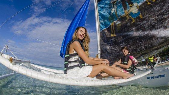 Para evitar uma nova onda gigante de turistas, a capacidade da ilha foi limitada a 19.200 turistas e por dia não podem entrar mais de 6.400