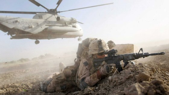 Neste momento, há quase 17 mil soldados da NATO no Afeganistão. Entre estes, a maioria (8475) são dos EUA. Também há 193 portugueses