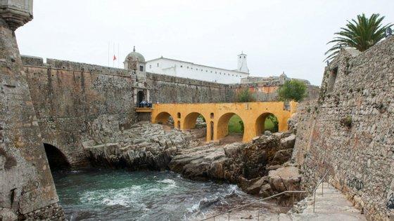A fortaleza, classificada como Monumento Nacional desde 1938, foi uma das prisões do Estado Novo