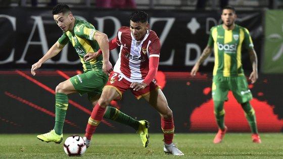 O Desportivo das Aves venceu em casa do Tondela por 2-0