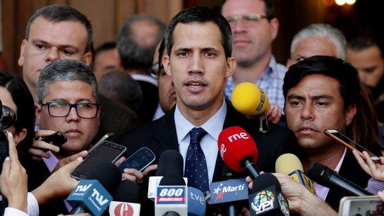 Guaidó explicou que a ajuda para a Venezuela incluirá medicamentos que podem salvar vidas