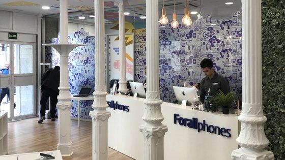 A loja em Madrid abre oficialmente este sábado e a empresa já está a preparar a abertura da primeira loja em Barcelona