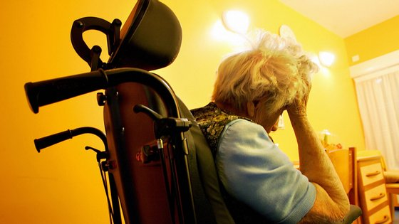 É sabido que quando as proteínas tau têm defeitos podem levar ao aparecimento de estados de demência