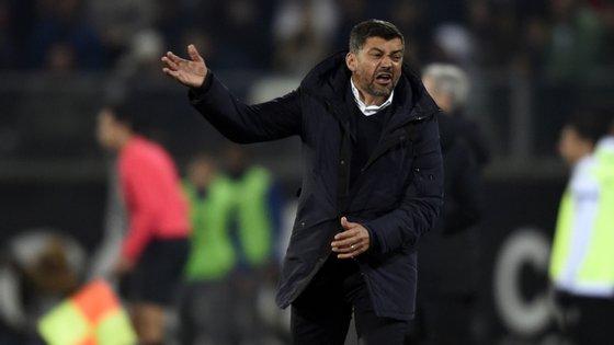 """Sérgio Conceição deixou reparos à equipa de arbitragem, """"a mais fraca"""" das três que estiveram em Guimarães"""