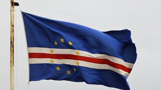"""O ministro cabo-verdiano dos Negócios Estrangeiros salientou """"a importância do acordo com os Estados Unidos para a defesa e segurança de Cabo Verde"""""""
