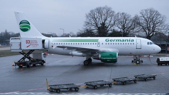 A Germania Airlines explica que foi incapaz de conseguir financiamento para cobrir uma necessidade de liquidez de curto prazo