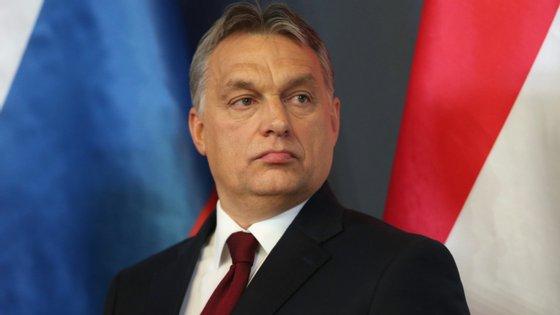 Viktor Orbán, primeiro-ministro da Húngria, prometeu isenção fiscal às mulheres com quatro filhos ou mais