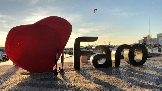 Fundada no verão de 2018, a VOI foi a primeira startup europeia a investir neste tipo de mobilidade, estando já presente em 11 cidades europeias