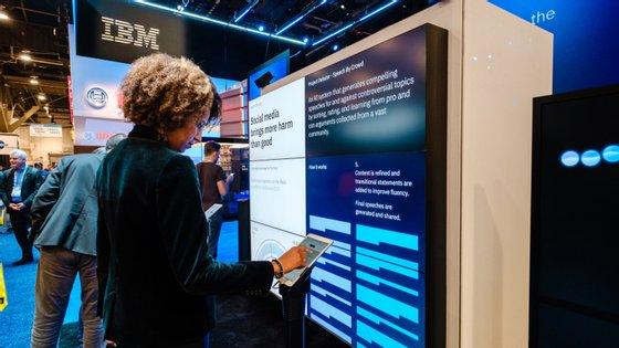 O IBM Debater esteve disponível para argumentar contra o público na CES 2019, em Las Vegas