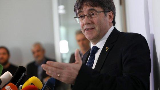 Puigdemont iria falar esta segunda-feira em Bruxelas