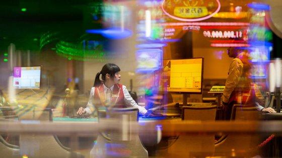 A operadora de jogo Melco Resorts & Entertainment apresentou no ano passado lucros líquidos de 310,6 milhões de euros