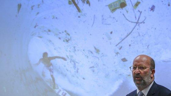 Matos Fernandes explica que Governo só antecipou aplicação da medida em seis meses