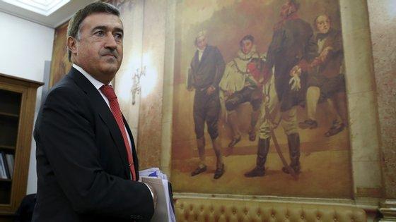O presidente da Autoridade de Supervisão de Seguros e Fundos de Pensões, José Almaça, vai ser ouvido esta terça-feira a pedido do PSD e do BE