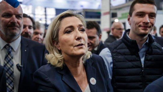 O número de vistos concedidos pela França a argelinos caiu drasticamente em 2018( por comparação a 2017)