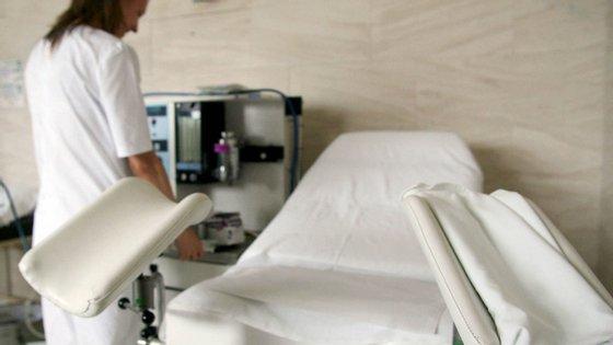 Depois da legalização, as interrupções voluntárias da gravidez atingiram o valor máximo (20 480) em 2011