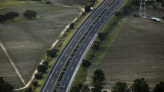 Os países com estradas com pior qualidade de estradas são a Roménia e Malta