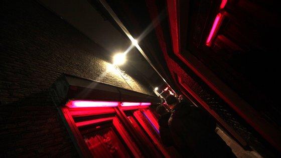 A Câmara Municipal anunciou ainda que vão ser proibidas as visitas aos bares da zona apenas com o objetivo do consumo de álcool
