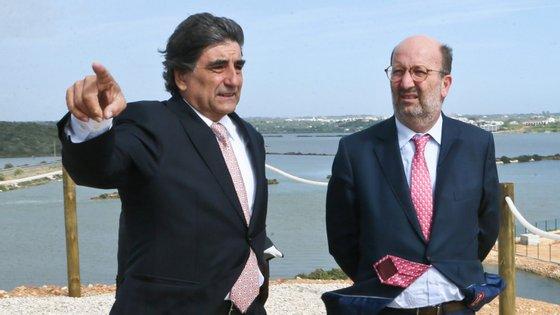 Carlos Martins, à esquerda, não terá dito ao ministro Matos Fernandes, à direita, que tinha nomeado o primo