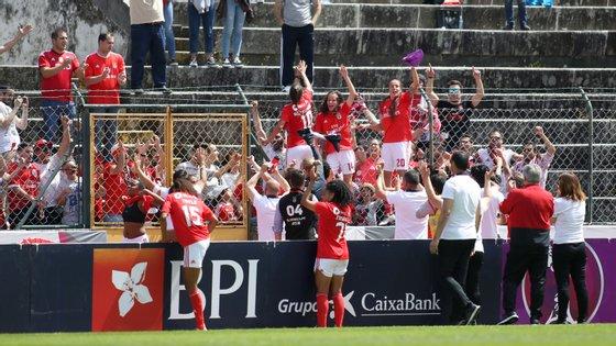 Encarnadas fizeram a festa esta manhã em Braga num estádio 1.º de Maio muito bem composto este sábado