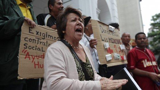 Os protestos ocorreram junto à sede da Cruz Vermelha venezuelana