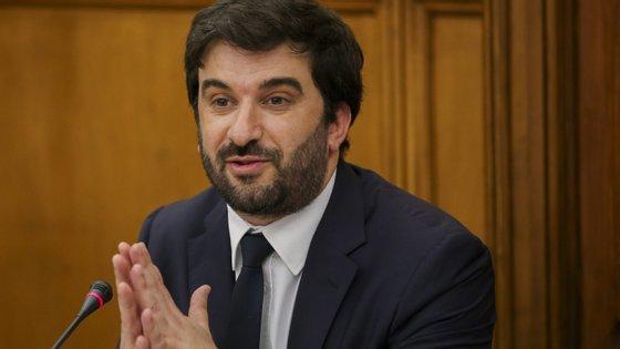 Ministro Tiago Brandão Rodrigues foi ouvido na Comissão de Educação do Parlamento
