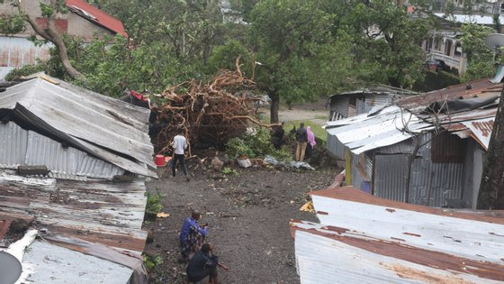 Ao longo da noite de quarta-feira, o vento forte e a chuva provocaram já alguns estragos nas ilhas Comoros, região vizinha de Moçambique.