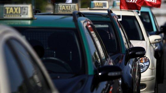 """O presidente da Antral arguementa que  """"a Câmara já recebe 600 mil euros por ano para tratar dos espaços que os táxis ocupam em Lisboa"""""""
