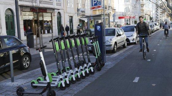 Tem sido notório o aumento do número de trotinetes vandalizadas na cidade de Lisboa
