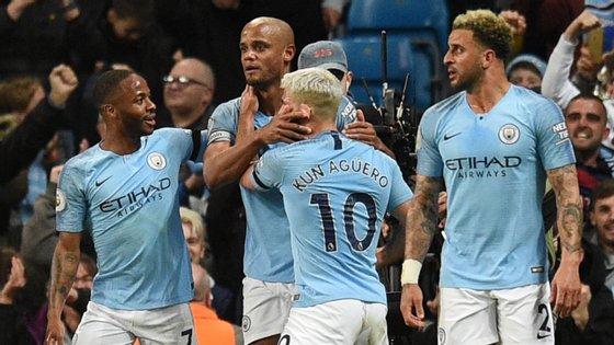 Kompany pode ter feito um dos golos decisivos na caminhada do Manchester City rumo à vitória na Premier League