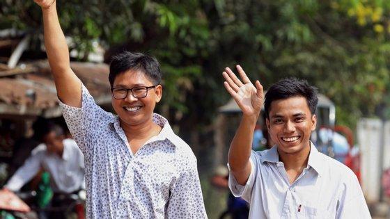Wa Lone e Kyaw Soe Oo foram acusados de se terem apoderado de documentos secretos relativos às operações das forças de segurança no estado de Rakhine
