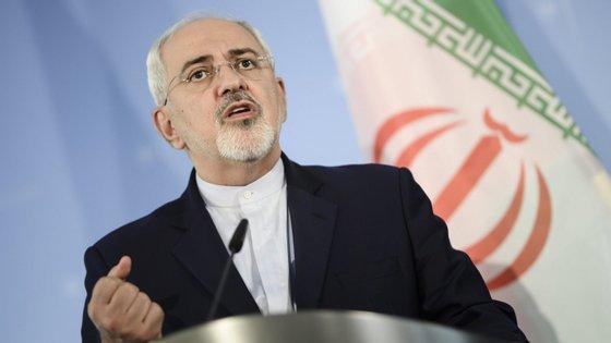 Rouhani disse que o Irão quer negociar novos termos com os demais signatários do acordo, mas reconheceu que a situação é grave