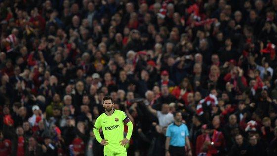Messi bisou na primeira mão em Camp Nou mas ficou em branco em Inglaterra