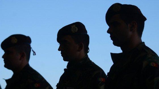 A equipa integrará oficiais militares de Angola, Brasil, Cabo Verde, Guiné-Bissau, Guiné Equatorial, Moçambique, Portugal, São Tomé e Príncipe e Timor Leste