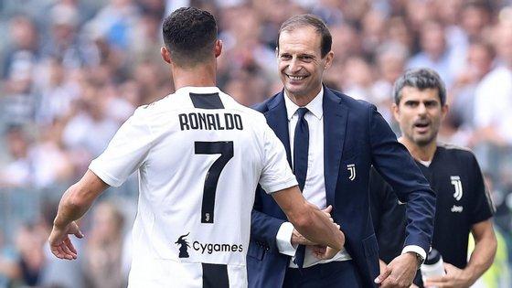 Allegri recebeu esta temporada Ronaldo para o ataque à Champions mas eliminação nos quartos acabou por ditar saída de Turim cinco anos depois