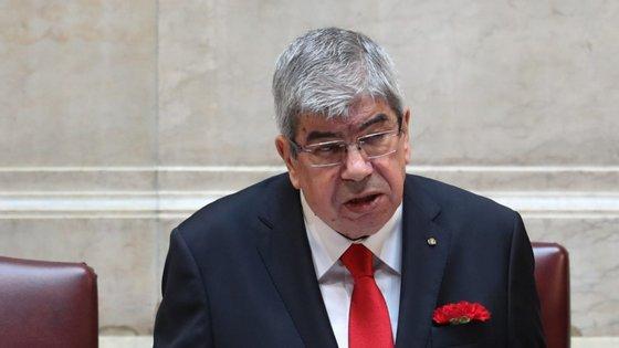 """O relatório dos grandes devedores da banca está """"depositado à guarda do Presidente da Assembleia da República"""", Eduardo Ferro Rodrigues"""