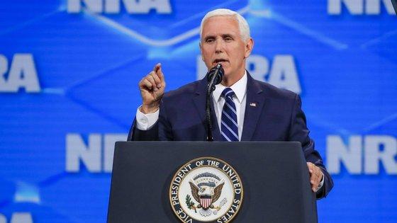 Mike Pence falou no seguimento de uma decisão intercalar do Supremo sobre as leis que ele promulgou em 2016, quando era governador de Indiana