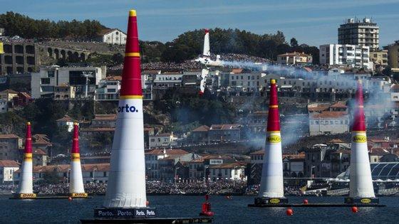 A Red Bull Air Race chegou a passar por Portugal várias vezes