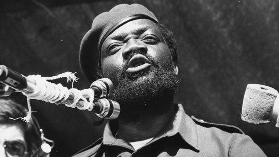 Savimbi foi morto em combate pelas forças do Governo em 2002