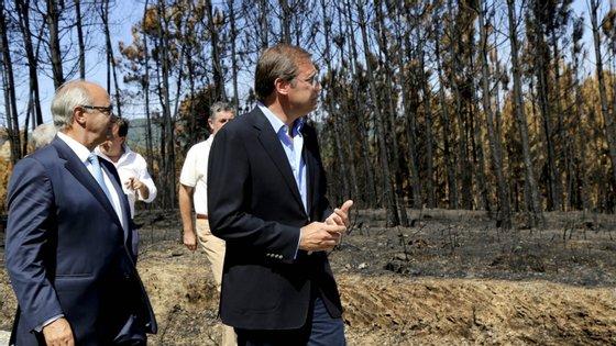 Manuel Frexes aqui ao lado do ex-presidente do PSD