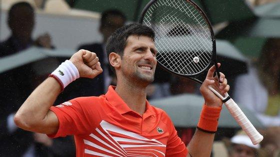 Djokovic tornou-se o primeiro tenista a qualificar-se por 10 vezes seguidas para esta fase do 'Gran Slam' francês