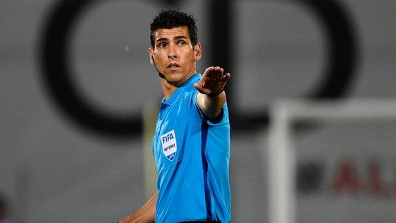 Paulo Soares e Rui Teixeira serão assistentes e João Capela o quarto árbitro.