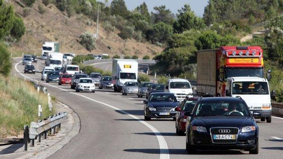 Greenpeace estima que 27 por cento das emissões de gases com efeito de estufa vêm dos transportes