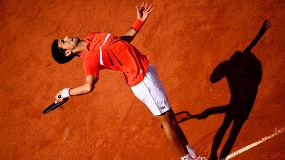 """Novak Djokovic chega às meias-finais de Roland Garros em 2019 sempre com vitórias """"rápidas"""" e em três sets"""