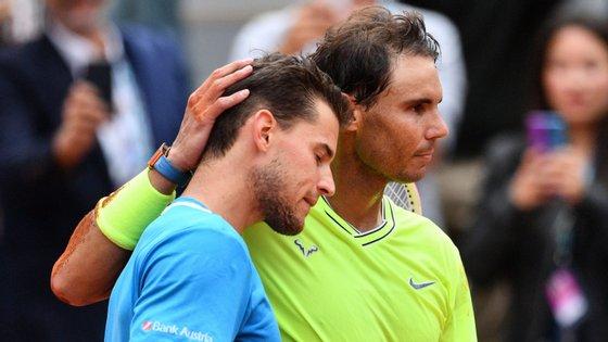 Rafa Nadal ganhou o primeiro set por 6-3, perdeu o segundo por 7-5 e venceu os dois seguintes por 6-1 e 6-1