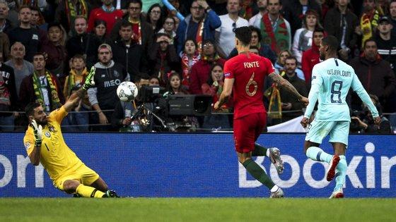 Rui Patrício teve apenas trabalho a partir dos 60 minutos mas segurou o triunfo de Portugal frente à Holanda na final da Liga das Nações