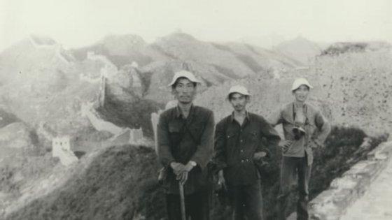 A expedição teve início numa das passagens da muralha, em Laolongtou