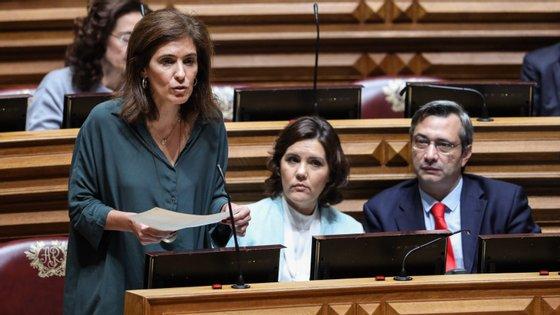 """Para Ana Rita Bessa, """"não é possível que, no século XXI num país da Europa, as maternidades da Grande Lisboa se vejam forçadas a encerrar ou a funcionar rotativamente, com as grávidas a terem de ligar para o 112"""""""